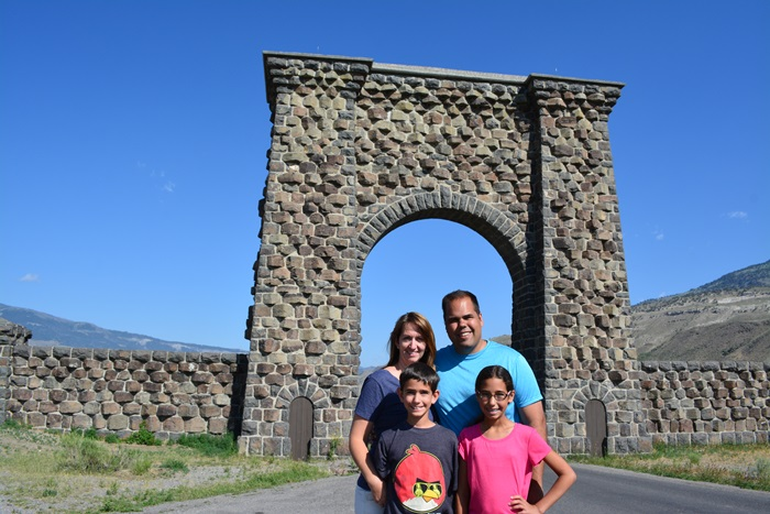 under the Roosevelt Arch...leaving YNP